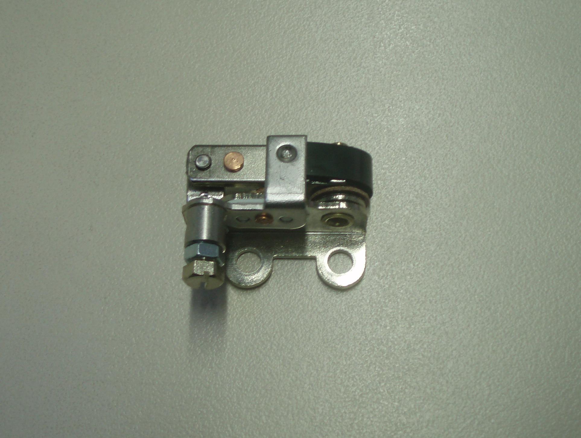 Rupteur allumage IM250 IM300 IM350 IM359 LA250 LA300 LA400 LA490 LOMBARDINI INTERMOTOR 5040006