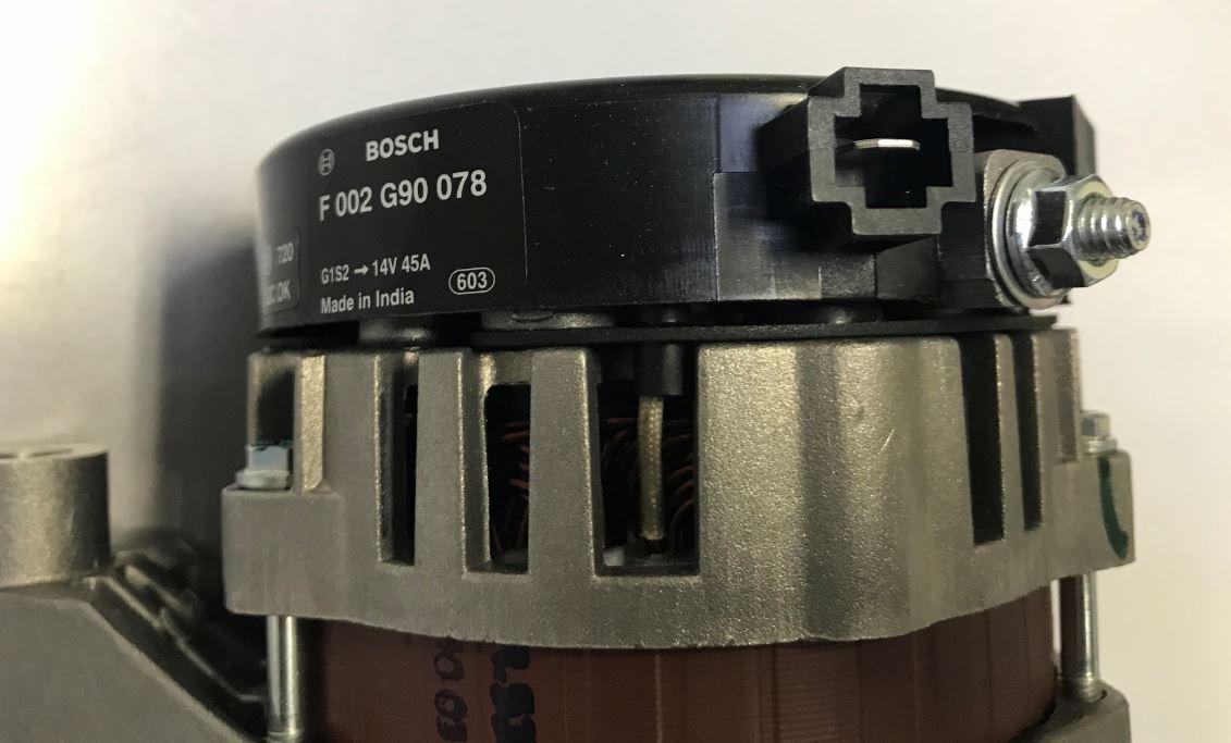 Alternateur BOSCH  F 002 G90 078 / VM Motori 38522072A 38522239F / 14V 33A