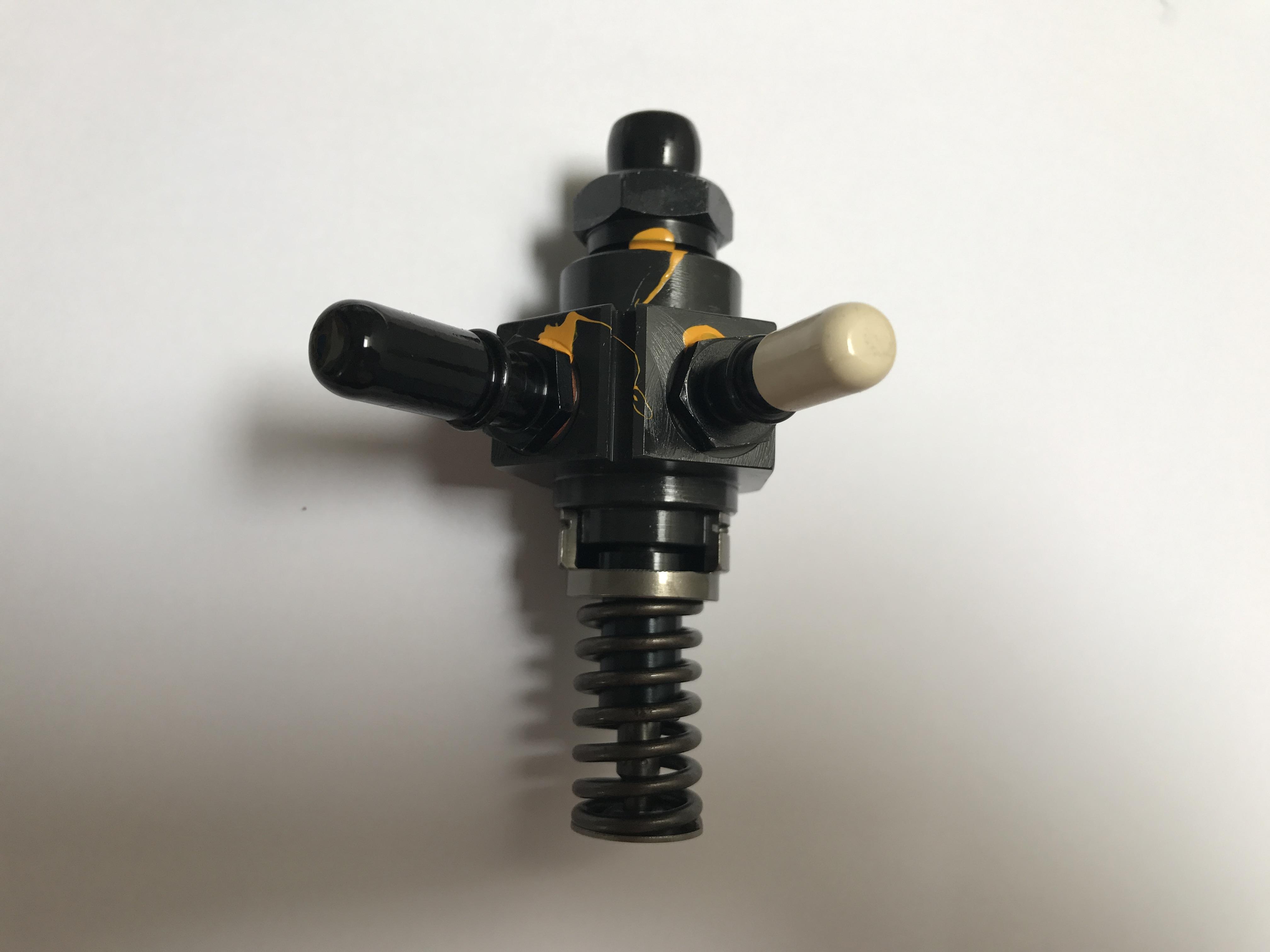 Pompe injection LOMBARDINI LDW442 LDW442CRS LDW492 LDW492 DCi- 6590438 ED0065904380-S BOSCH 0414651999
