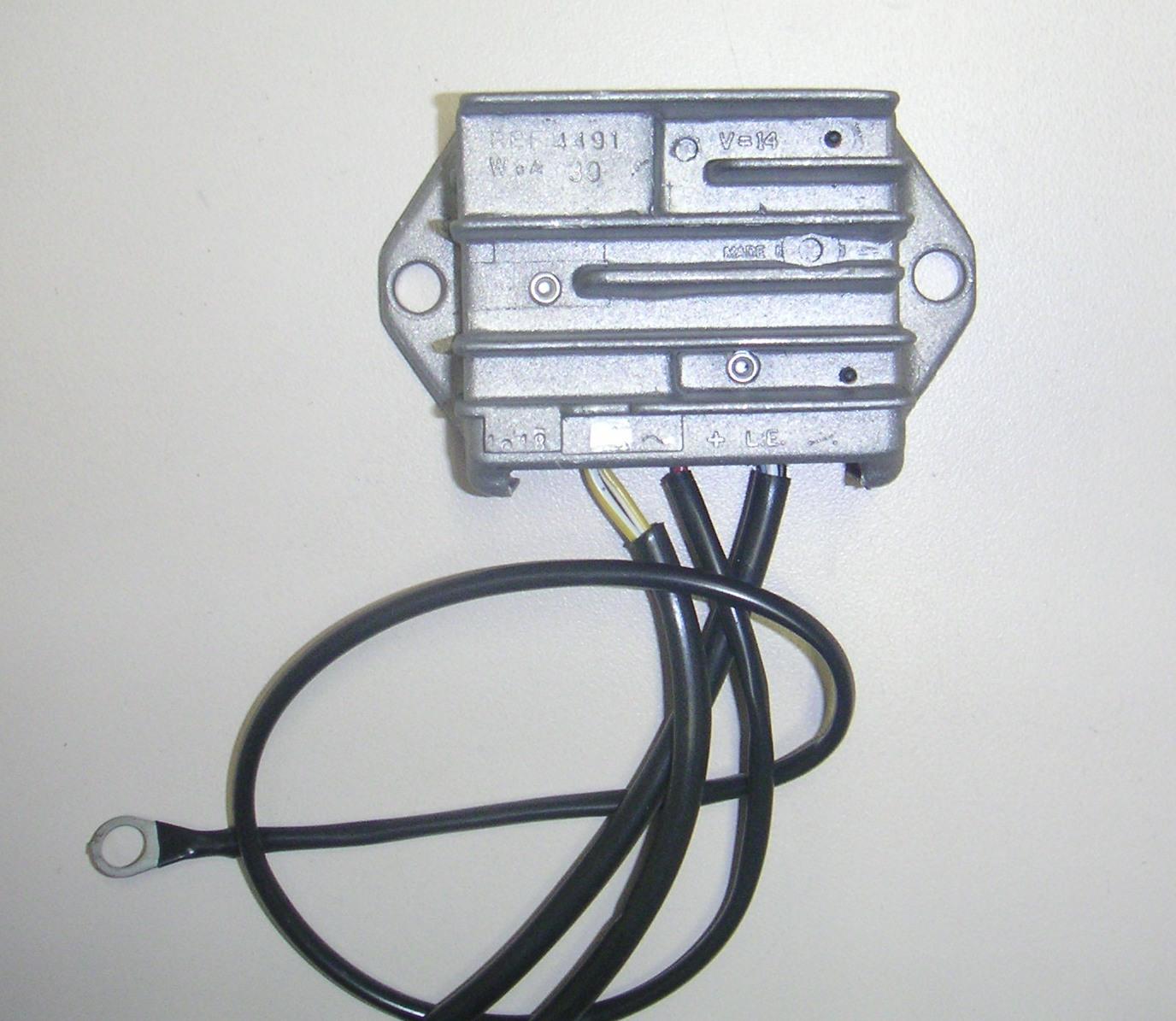 Regulateur 12V 30A HATZ 1D30 1D41 1D50 1D60 1D80 1D90 HATZ 02312500 ex 01248123 - SAPRISA 4491
